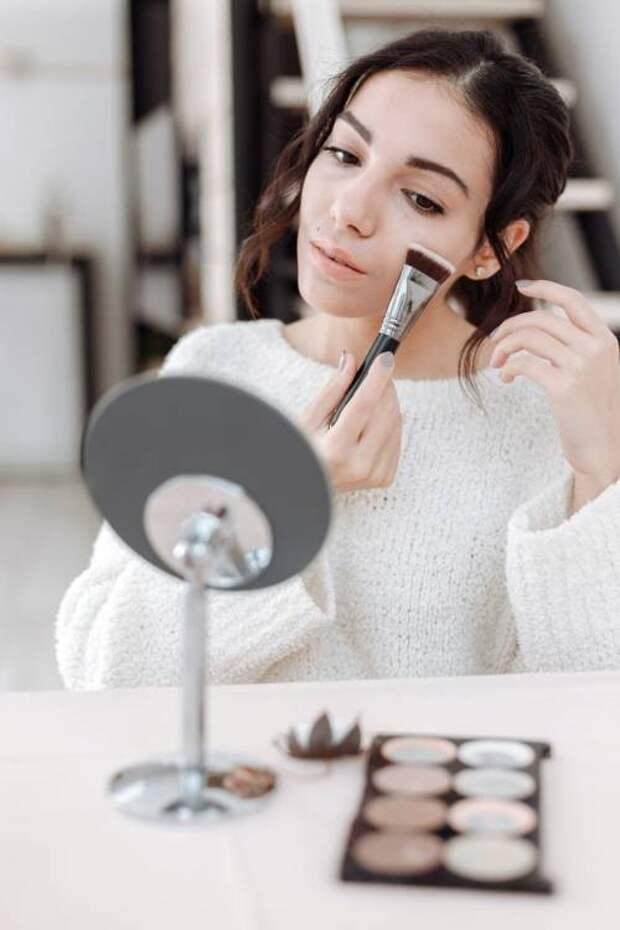 Омолаживающий макияж: что это такое и как его сделать  –  советы Каролин де Мегре и Софи Мас