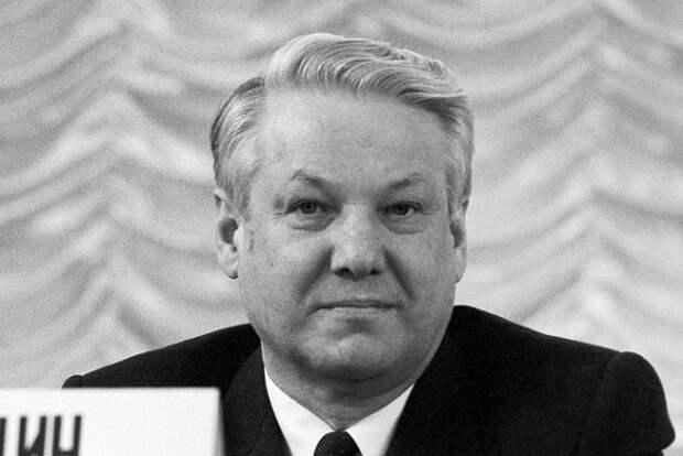 «Похитили и сбросили с моста»: что случилось с Ельциным в 1989 году