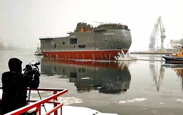 Американцы назвали новейшую российскую платформу «самым уродливым кораблем в мире»