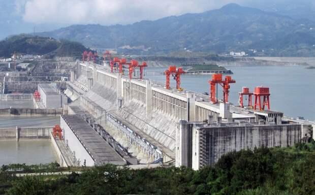 «Три ущелья»: 8 фактов о гигантской китайской плотине, замедлившей вращение Земли