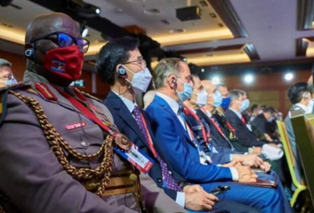 На конференции по безопасности в Москве Западу показали кузькину мать