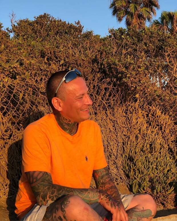 Вдова канадского художника-татуировщика снимет с его тела кожу, чтобы сохранить для потомков