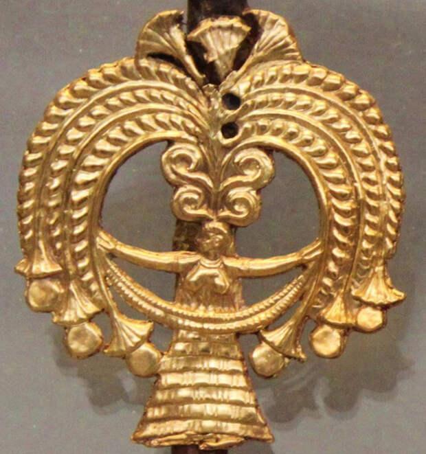 Апи-минойской богиня с откр. грудью-Микены- 16 в до н.э.