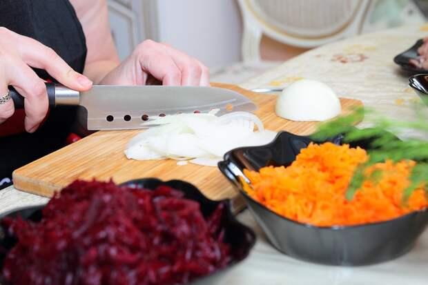салат из свеклы и моркови с майонезом