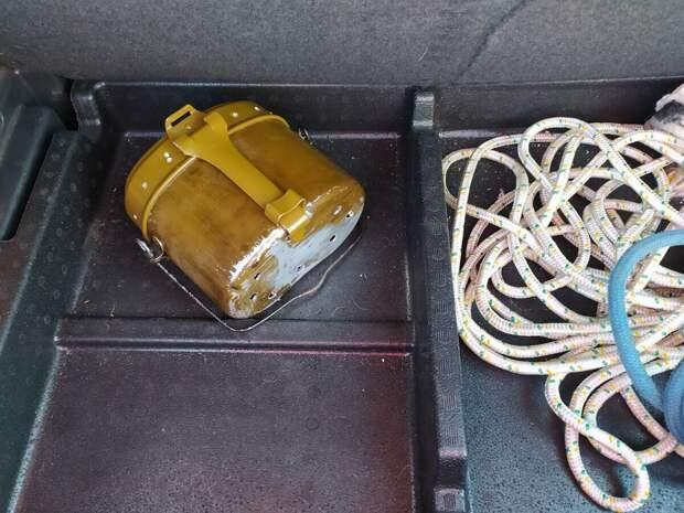 Для чего на Юге Урала в автомобилях возят котелок с дырками на дне:совет,который спас сотни жизней!