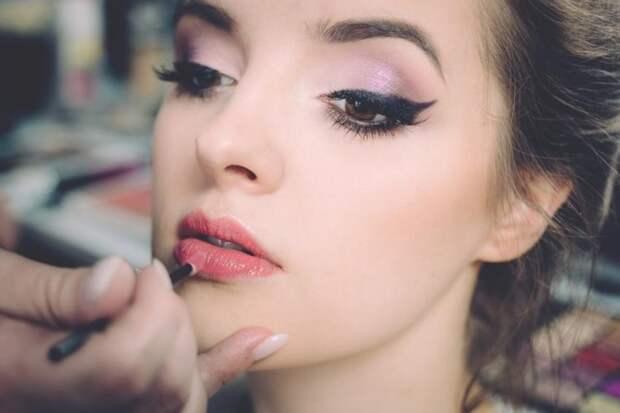 12 главных ошибок в макияже: советы визажиста