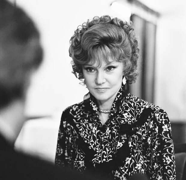 5 образов Людмилы Гурченко, разрекламировавших советскую моду