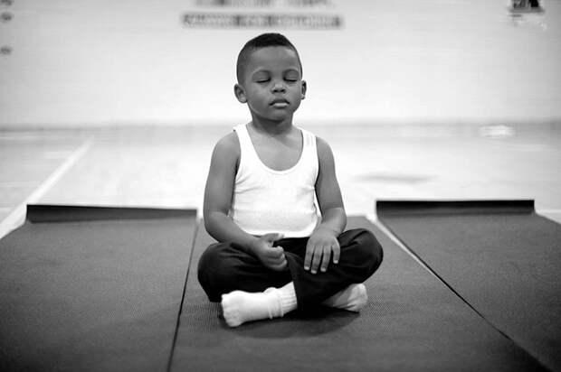 Вэтой школе наказания заменили медитацией, ирезультаты впечатляют!