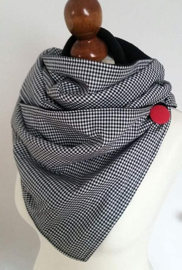 Теплый и стильный аксессуар из двух отрезов ткани