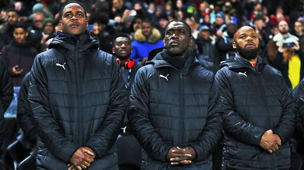 «Нужно запретить игрокам прикрывать рот, когда они говорят с футболистами или судьями». Зеедорф — о расизме на поле