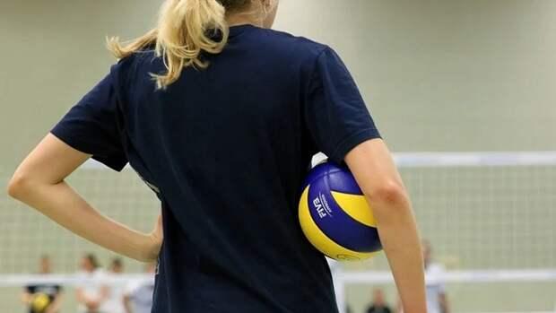 В Анапе полицейских осудили за принуждение 17-летней волейболистки к сексу