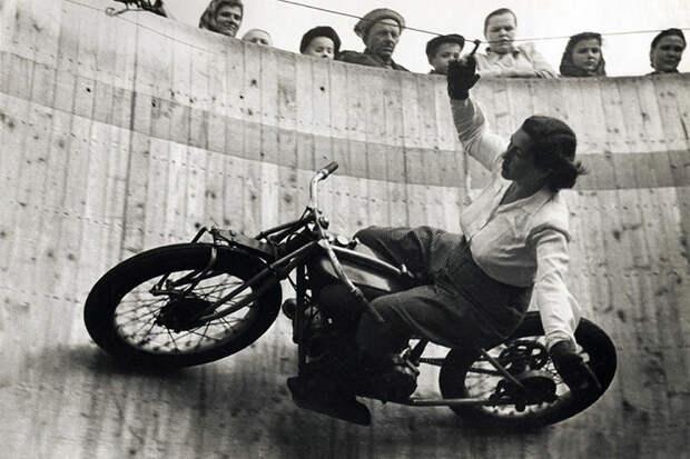 Пуля в сердце СССР, аттракцион, мотоциклы, цирк