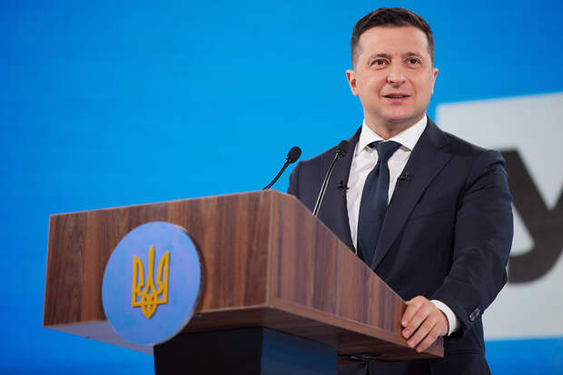 Зеленский ввёл санкции против сети магазинов «Спортмастер»