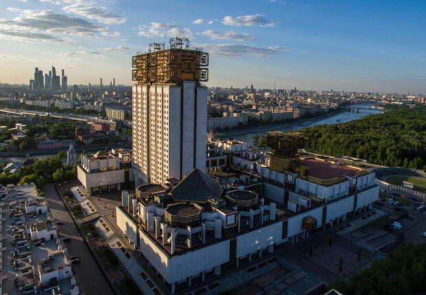 Директор ИКИ РАН прокомментировал обвинение в невыплате зарплат