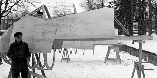 До конца войны успели лишь начать сооружение полноразмерного макета Та.183 иподготовку документации дляпрототипа