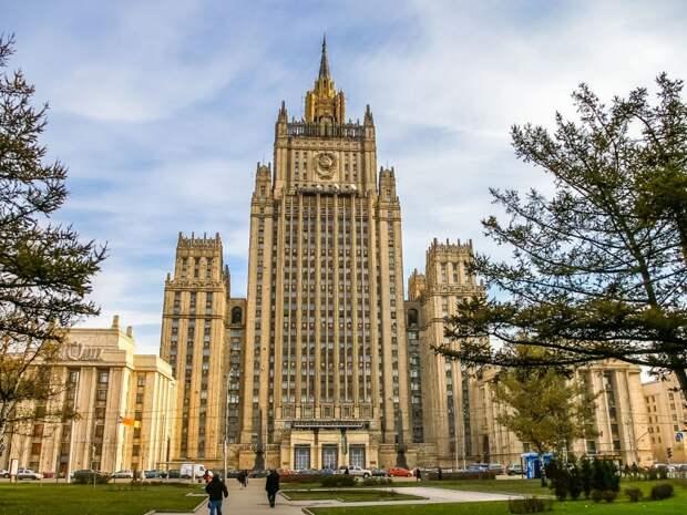 В России назвали спекуляциями заявление США о возвращении Совбезом ООН антииранских санкций