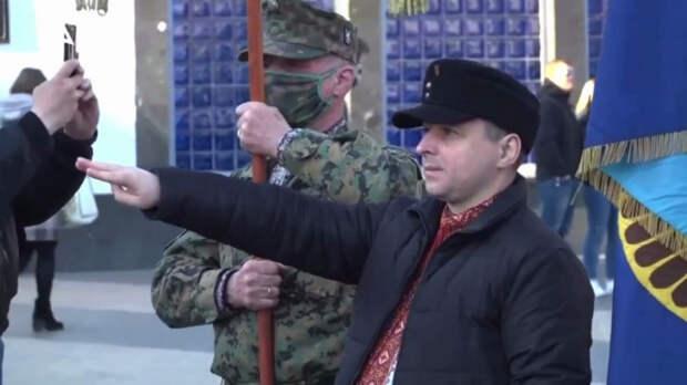 Украина своими попытками оправдать собственную гнилую сущность напоминает прокаженного