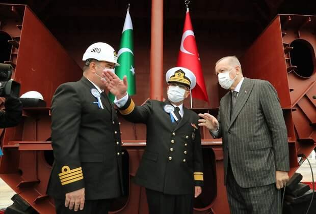 """Эрдоган назвал союзников по НАТО """"плохими соседями"""" и рассказал об успехах беспилотников """"Байрактар"""" в Карабахе"""