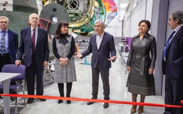 Экспозиция орбитальной станции и коворкинг-центр открылись в МАИ