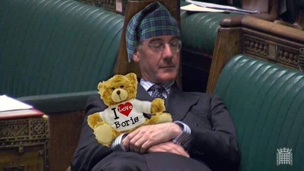 Депутат уснул прямо во время дебатов и стал мемом