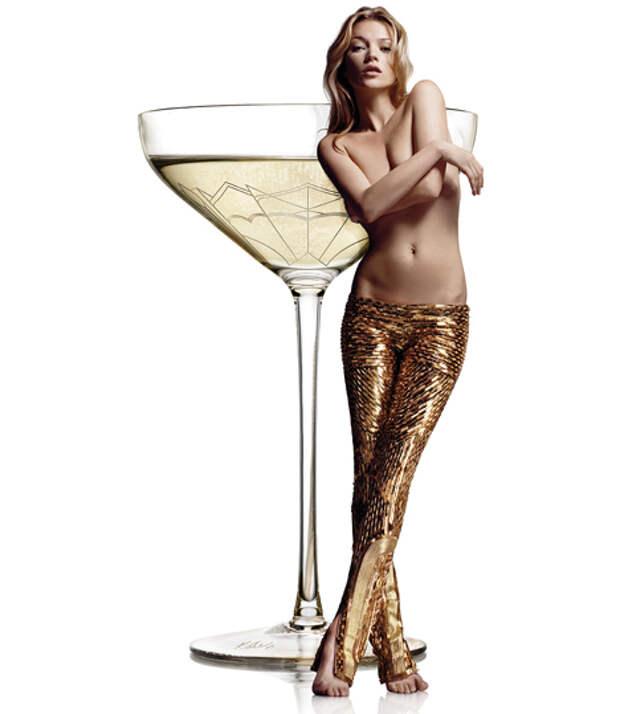 Бюст Кейт Мосс и шампанское