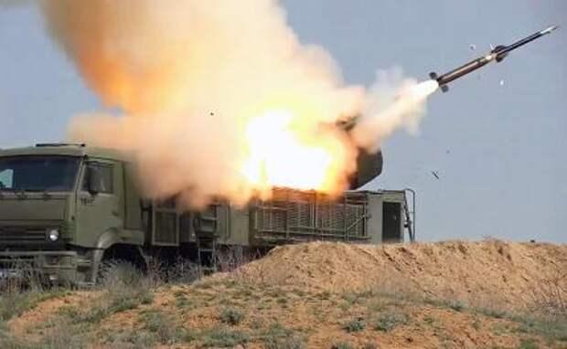 """На фото: зенитный ракетно-пушечный комплекс наземного базирования """"Панцирь"""""""