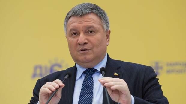 Зеленский предложил оставить Авакова на посту главы МВД Украины