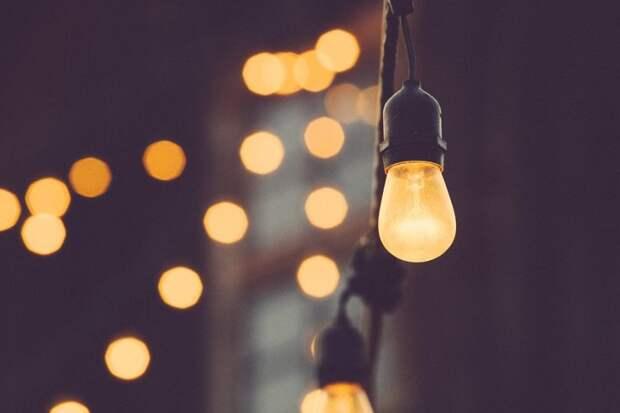На участке Большой Академической восстановили освещение