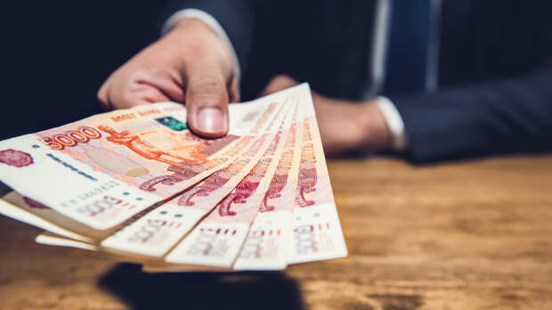 Миллиарды за спецодежду, PR и соцсети: на что госкомпании торопились потратить деньги в последний день 2020-го