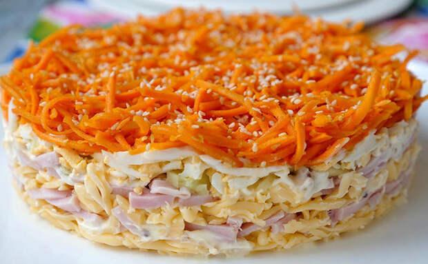 Салат Выручалочка: продукты простые, а получается красиво и сытно