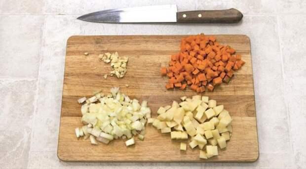 Быстрый овощной суп с фаршем. Шаг 1