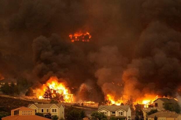 Пожары в США унесли жизни десятков человек, начаты масштабные эвакуации