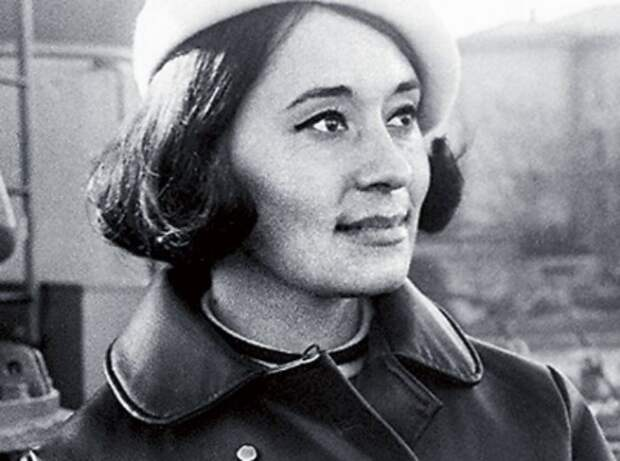 Харассмент в СССР: Чем поплатилась манекенщица Лека Миронова за отказ от эскорт-услуг и съемок ню для ЦК