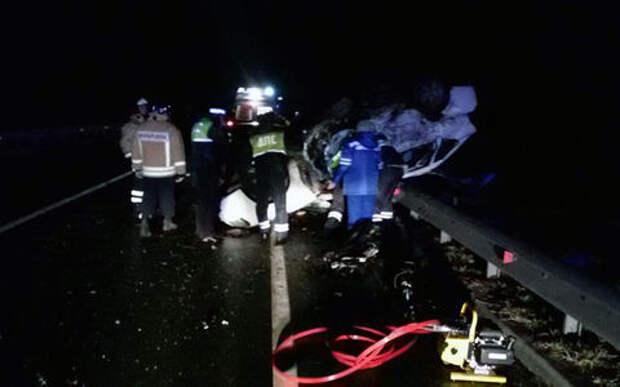 Пять пассажиров Приоры погибли при лобовом столкновении