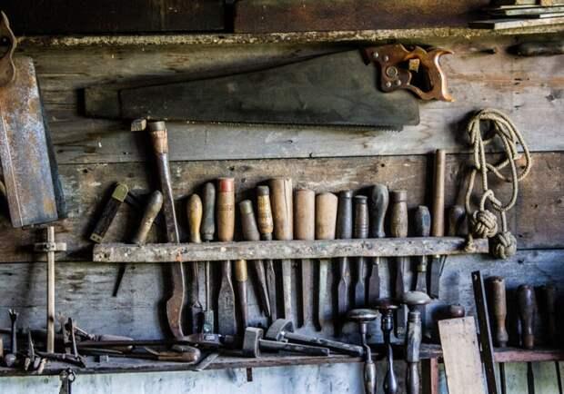 Почему мужики уходят в гаражи