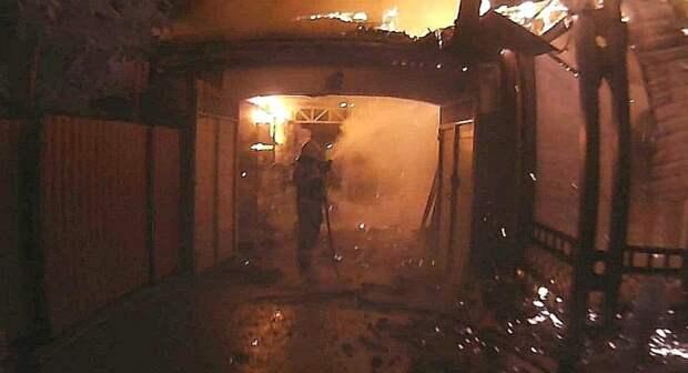 В Симферополе утром сгорел продуктовый магазин
