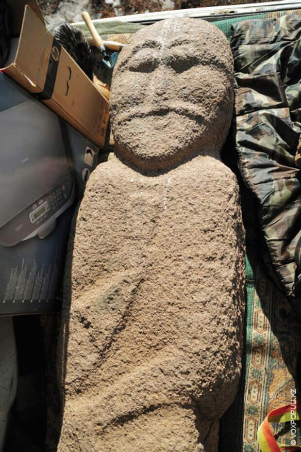 Но в 2009 году один астанинский археолог выкопал балбал и продал его столичному музею. Только...