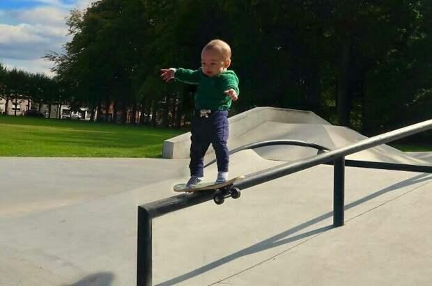 Мама, я осваиваю скейт!