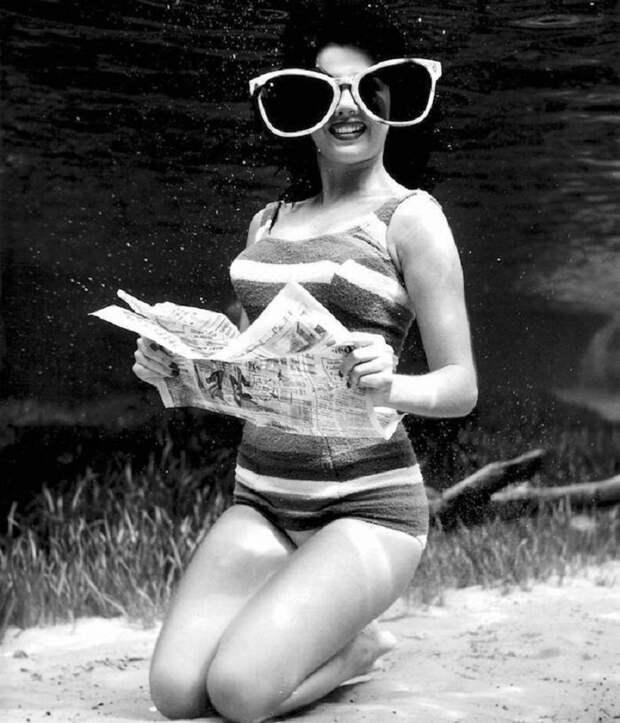 Эротические снимки девушек под водой... Сложно поверить, но эти фотографии были сняты в 1938 году