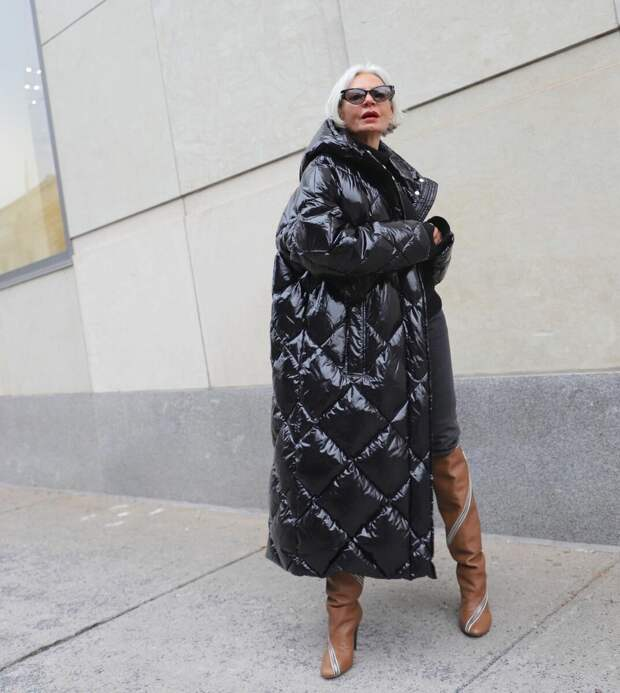 Тренды 2021, которые смело могут носить женщины после 50 лет
