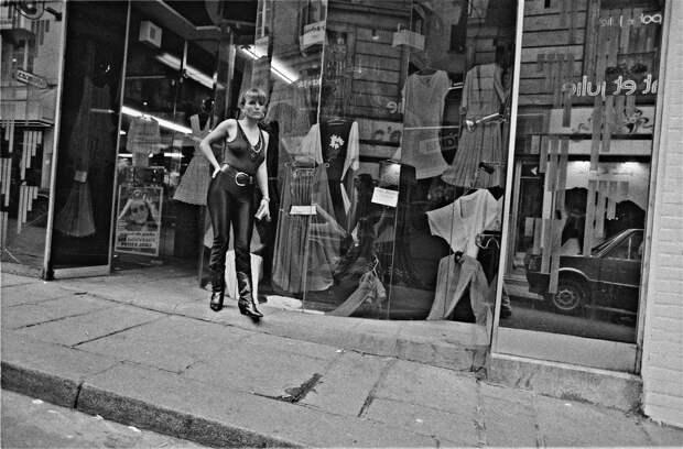 Труженицы секс-индустрии с улицы Сен-Дени. Фотограф Массимо Сормонта 23