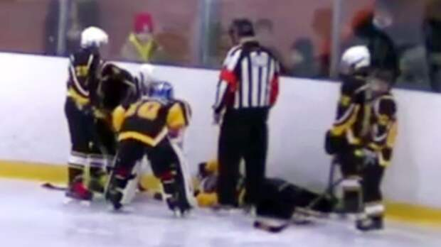 ФХР проведет расследование инцидента на Кубке Москвы, в результате которого юный хоккеист впал в кому