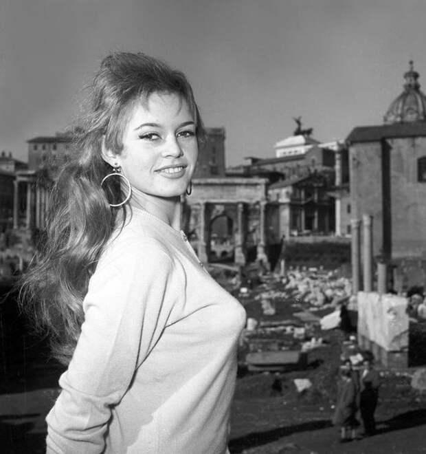 Прогулка по Риму с Брижит Бардо.