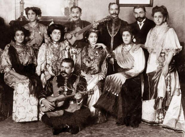 Московский цыганский хор под руководством Ивана Григорьевича Лебедева. / Фото: http://svenko.net/