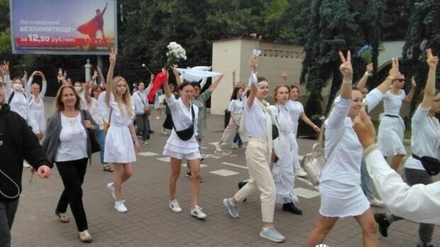 """""""Страна.ua"""" спросила у белорусов, что они думают об акциях протеста"""