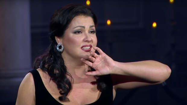 Анна Нетребко поддержала Носорога после его разоблачения в «Маске»