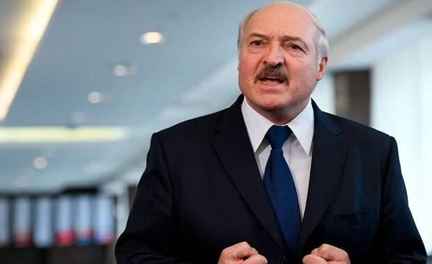 Лукашенко отказался эвакуировать на родину ослушавшихся белорусов