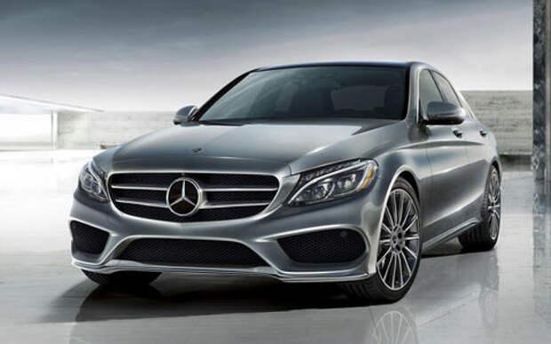 Инженеры Mercedes-Benz переделали классический С-класс в новый. На ходу