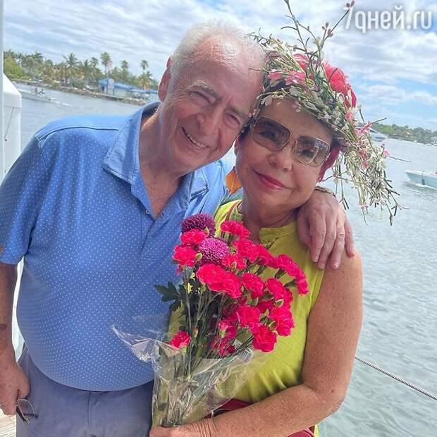 «Ни дня не работала!» На какие деньги мать Королевой живет в Майами