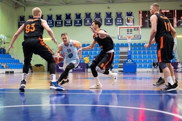 Ижевская команда «Купол-Родники» одержала победу над баскетболистами из Ревды